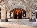 Cimitero Monumentale di Milano, Corridoio.jpg