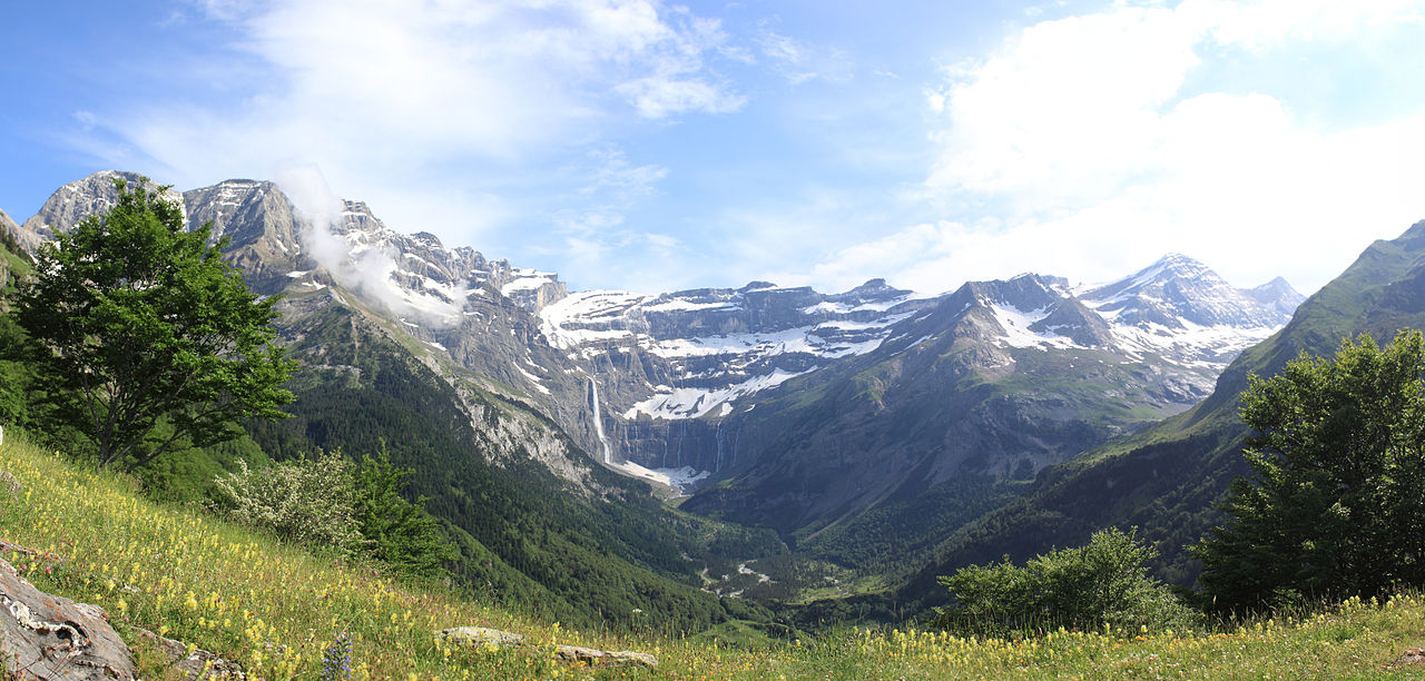 "This is a panoramic view of the ""Cirque de Gavarnie"". Source: . Credit: Bobleponge31 ."