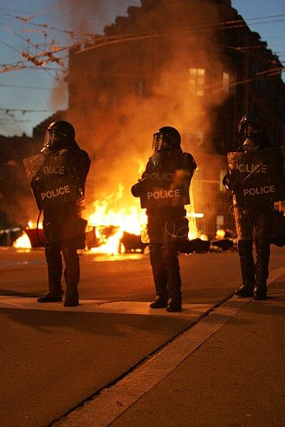 File:Civil unrest Lausanne mp3h8561.jpg