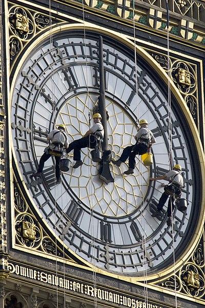 Fișier:Cleaning Big Ben.jpg