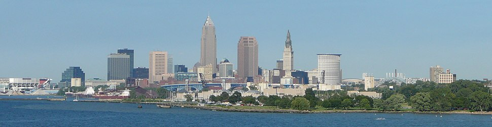 Skyline of Cleveland from Lake Erie in 2006, with the Key Tower, the 200 Public Square, and the Terminal Tower at the center