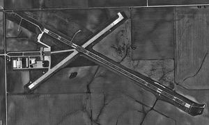 Clinton Municipal Airport (Iowa) - USGS 19 May 1994.jpg