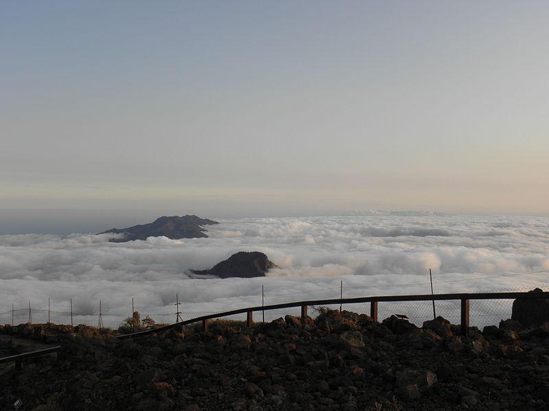File:Clouds in Caldera de Taburiente and beyond.JPG