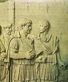 Colonna traiana, traiano a colloquio con un generale (forse Lucio Licinio Sura).jpg