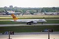 Condor Boeing 757-230 D-ABNP (22638644510).jpg