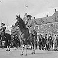 Coolsingel van Rotterdam, een delegatie uit Berkel-Rodenr te paard om de gemeent, Bestanddeelnr 915-2375.jpg