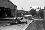 Coppia di CRDA Cant. Z.506 davanti l'hangar dell'idroscalo.jpg