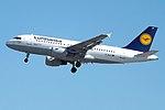 D-AILP A319 Lufthansa (14622916867).jpg