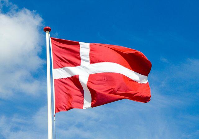 Народная партия хочет выдавать не более 1000 датских паспортов в год