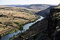 Deschutes Wild and Scenic River (27678653333).jpg