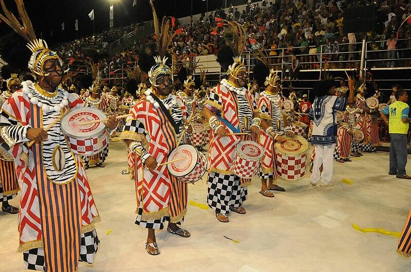 Ficheiro:Desfile Escolas de Samba Vitória 2009.jpg