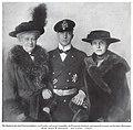 Die Kaiserin mit dem Prinzen Adalbert von Preußen und der Prinzessin Adelheid, 1916.jpg
