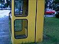 Die gelbe Telefonzelle nah bei der Alten Stadtbücherei (Flensburg, 2002).jpg