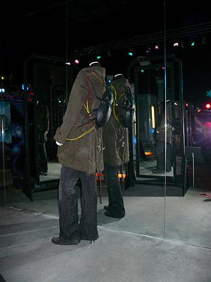 Turn Left (Doctor Who) - The set that Donna transports back in time and the beetle on her back, on display at the Doctor Who Experience.