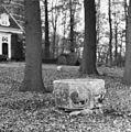 Doopvont in tuin - Wijnbergen - 20213812 - RCE.jpg