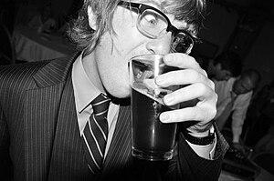 Drew Brown (musician) - Image: Drewpicwiki