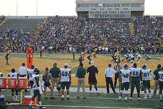 Eastern New Mexico Greyhounds - Image: Eastern New Mexico vs. Texas A&M–Commerce football 2017 02 (Eastern New Mexico on offense)