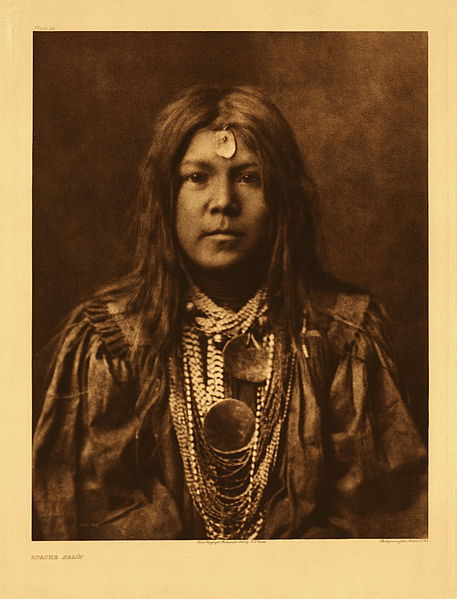 File:Edward S. Curtis Collection People 031.jpg