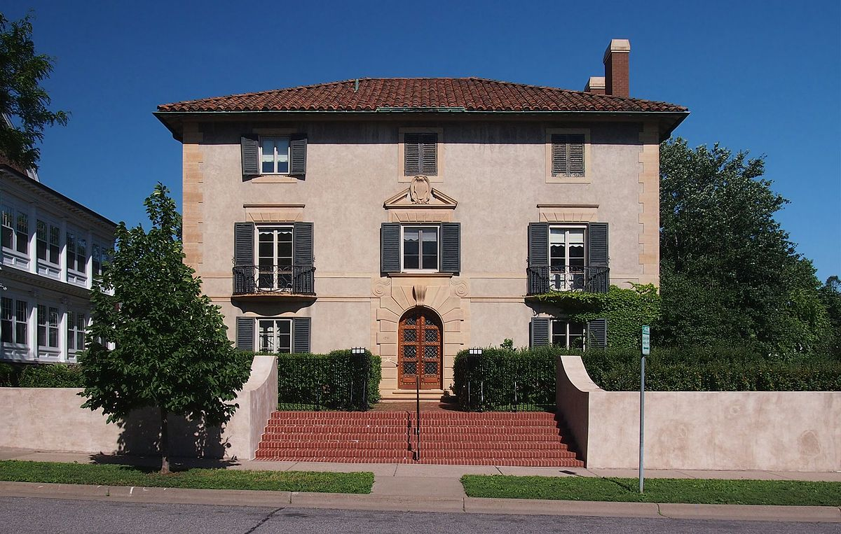 Df Lowry House Bed And Breakfast