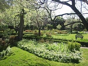 Image of Ellwanger Garden: http://dbpedia.org/resource/Ellwanger_Garden