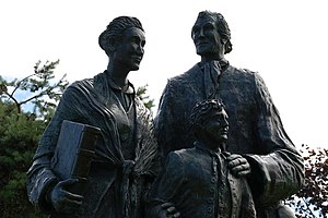 English: Emigrants memorial, Larne. This statu...