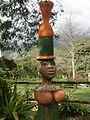 Estátua na entrada do centro de visitantes do Caminho do Ouro - Parati-RJ (1518997322).jpg