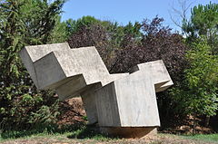 European route E15, AP-7 Motorway, rest area on KP 100,3, near Sant Celoni. Concrete sculpture. 1974. Nona López, sculptor. (20863680681).jpg