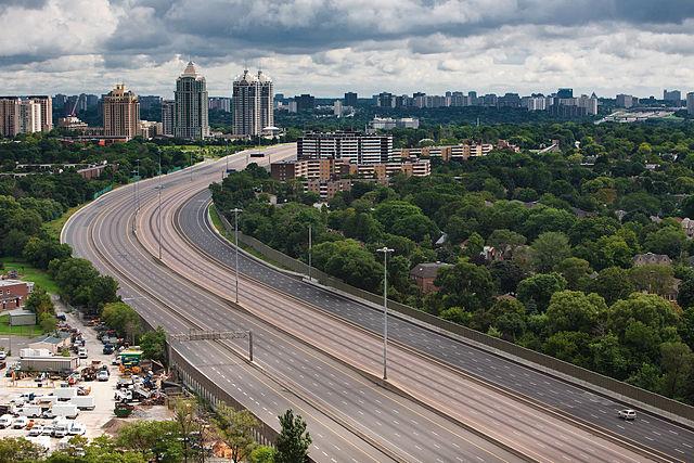 Highway 401, Toronto