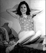 Evita - Malla de lunares -Retrato de Annemarie Heinrich - -.jpg