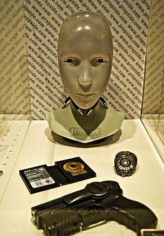 ExpoSYFY - I, Robot (10833634534).jpg