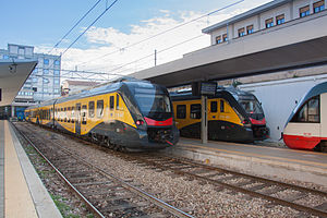 Ferrotramviaria - Image: FT ETR452 TR04+ETR452 TR03+ELT 202 Presentazione Civity Bari Centrale Bari 2014 12 18 Iannelli Giorgio 02