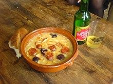 Fabada Acompañada De Sidra. Gastronomía Asturiana ...