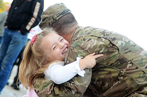 Flickr - The U.S. Army - Welcome home hug