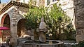 Fontaine des Mascarrons.jpg