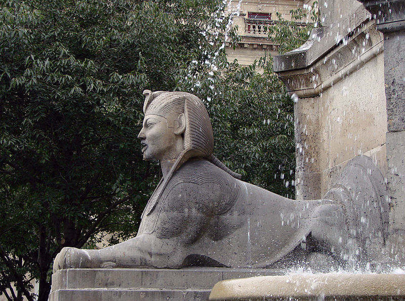 File:Fontaine du Palmier Sphinx 240907 03.jpg