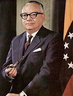 Foto oficial Rómulo Betancourt 1959.jpg
