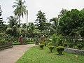 Front lawn of Tajhat Palace, Rangpur, 03-09-2016.jpg