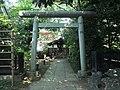 Fukazawa Benzaiten Shrine (深澤弁天社) in Fukazawa Shrine (深澤神社) - panoramio.jpg
