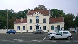 Gare de Luzarches - Image: Gare luzarches