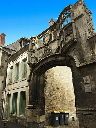 Laon - Gate of Bouvelle Court, Rue Serurier, Laon (France)