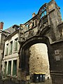 Gate of Bouvelle Court, Laon, France.jpg