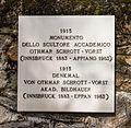Gedenkpaneel. Locatie, Kerk van San Rocco met daaromheen de militaire begraafplaats in Peio Paese 05.jpg