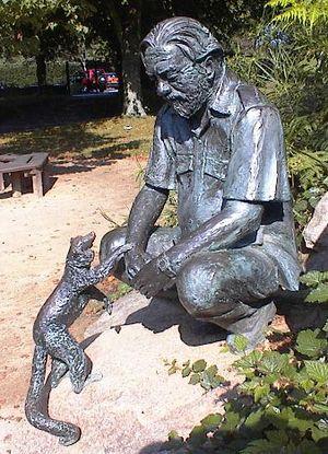Gerald Durrell statue 2