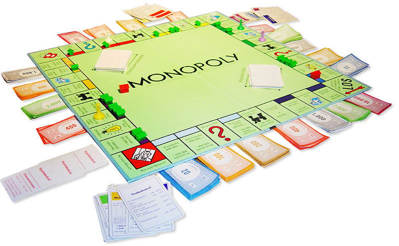 Archivo:German Monopoly board in the middle of a game.jpg
