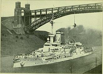 SMS Wittelsbach - Wittelsbach passing through the Kaiser Wilhelm Canal, under the Levensau High Bridge