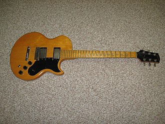 Gibson L6-S - Image: Gibson L6 S Custom Front