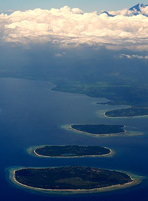 English: Gili Islands & Gunung Rinjiani, Lombo...