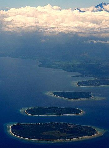 English: Gili Islands & Gunung Rinjiani, Lombo...