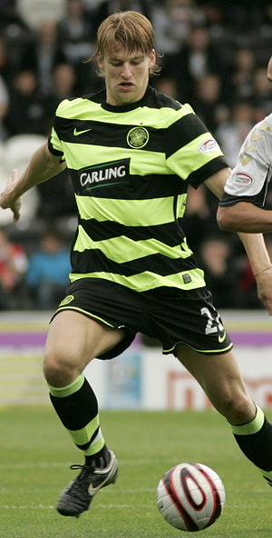 Glenn Loovens - Loovens playing for Celtic