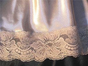 Warp knitting - Image: Golden lace